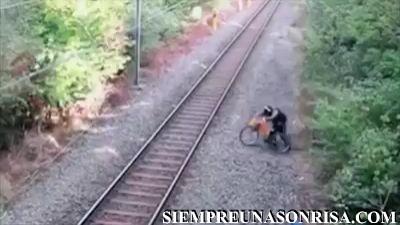 Cuando tu angel de la guarda trabaja en el tren