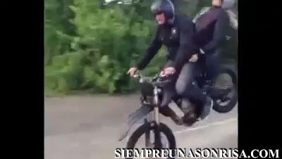 WhatsApp Video 2018 04 22 at 16.29.00 thumb3 - De la moto al coche de cabeza