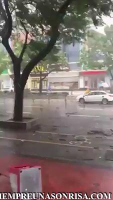 ¿Está lloviendo mucho?