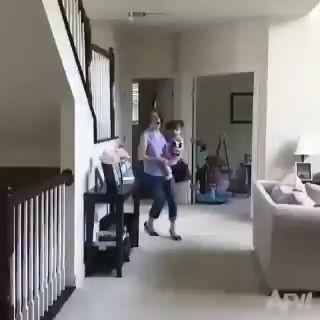 Tan grande era la sorpresa para dejar caer a su nieta. ️ - - miniatura