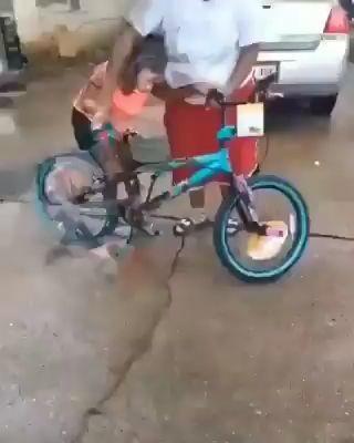 Qué marca es esa bici. miniatura