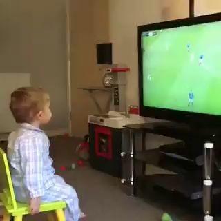 Y a tu hijo , le gusta el fútbol miniatura