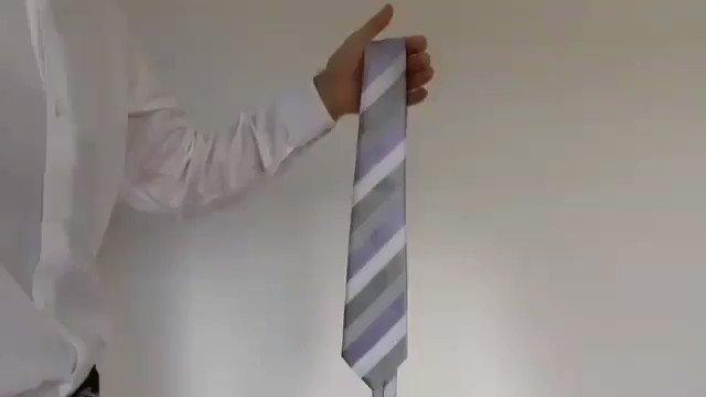 Con cuantos años te enterastes del nudo de corbata fácil ?