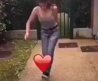 La persona que me gusta jugando con mi corazón