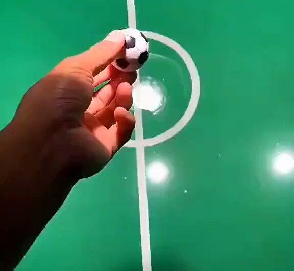 Peces jugando al fútbol, el video del año sin duda