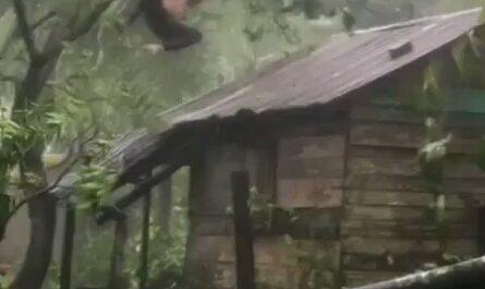 Pero que carajo hace el ahí en pleno huracán