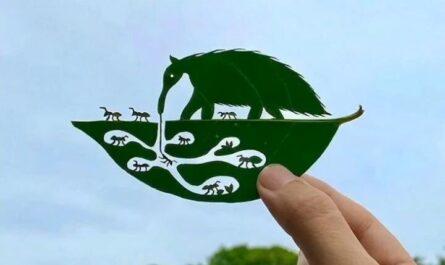 pieza de arte en hojas de arbol miniatura