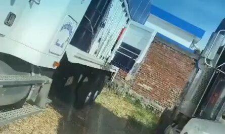 videos fails gente cayendo, humor graciosos, divertidos, camioneros miniatura